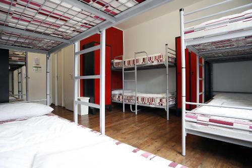 Happy Bed Hostel photo 33