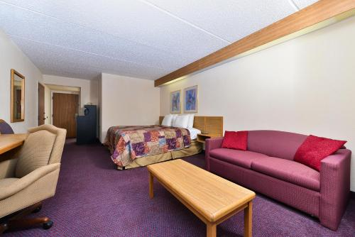 Americas Best Value Inn & Suites Atlanta South - Morrow, GA 30260