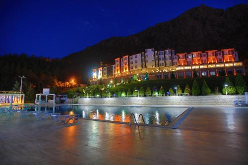 The Apple Palace, Amasya