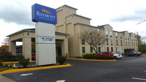 Baymont Inn & Suites Lexington Photo