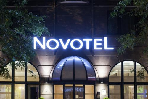 Novotel Brussels Centre Midi photo 4
