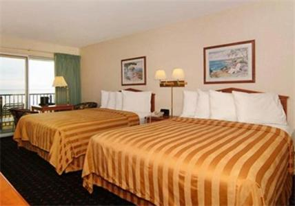 Quality Inn and Suites Mackinaw City Photo