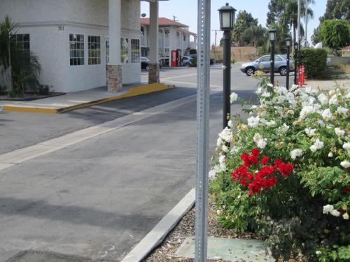Motel 6 Anaheim Photo