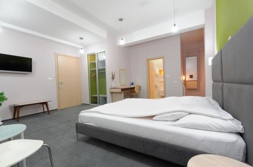 https://q-xx.bstatic.com/images/hotel/max500/374/37423689.jpg