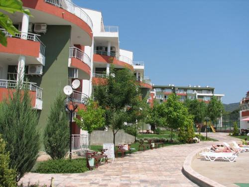 Green Fort Apartments