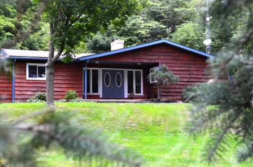 Tranquil Acres Guest House - Kemptville, ON K0A 2E0