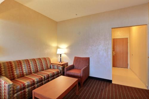 Comfort Suites Auburn Hills Photo
