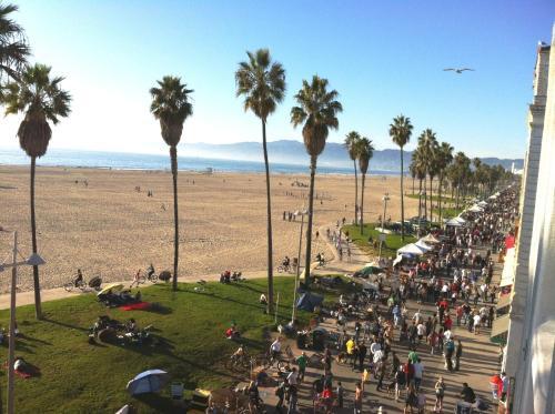 Venice Beach Suites Hotel