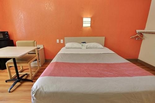Motel 6 Newport News Photo