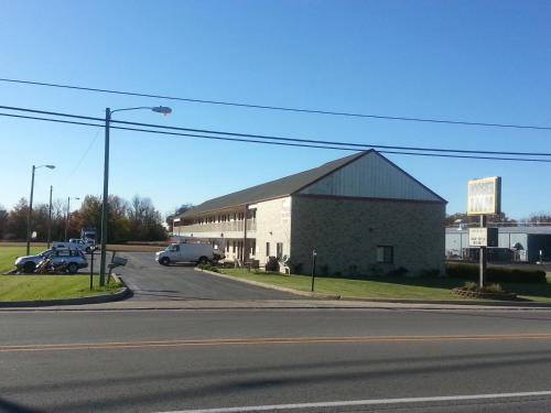 Hoosier Inn- Portland - Portland, IN 47371