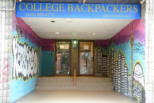 Kensington College Backpackers Photo