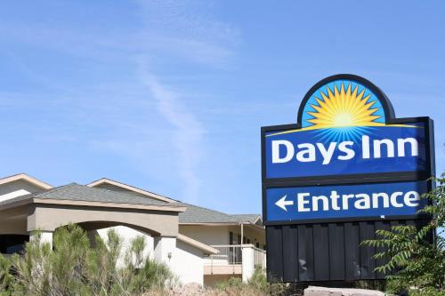 Days Inn Globe Photo