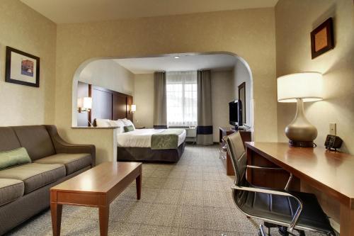 Comfort Suites Castle Rock Photo