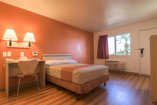 Motel 6 Palm Springs - Rancho Mirage - Cathedral City, CA 92270