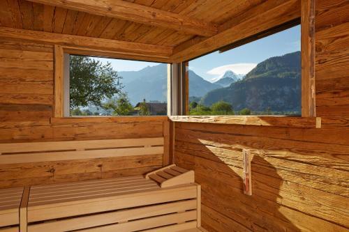 Seestrasse/Lehnweg 31, 3800 Interlaken-Unterseen, Switzerland.