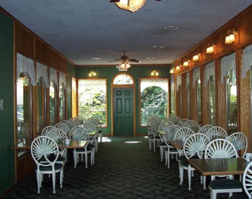 Northern queen inn & trolley junction restaurant