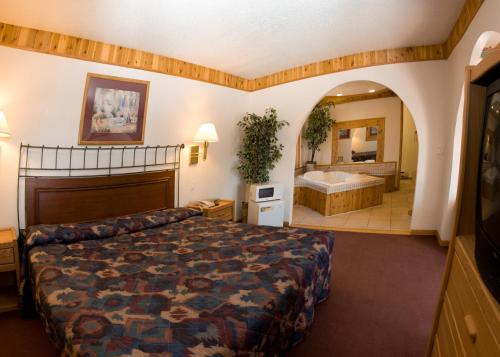 North Country Inn And Suites - Mandan, ND 58554