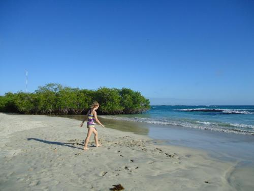Cartago Bay Photo