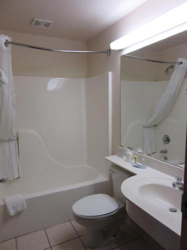 Microtel Inn & Suites by Wyndham Augusta Riverwatch