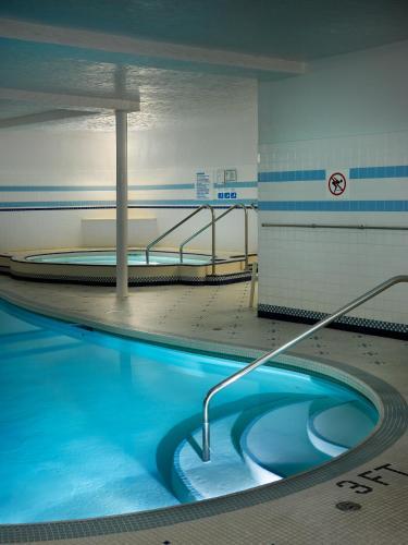 Royal Scot Suite Hotel - Victoria, BC