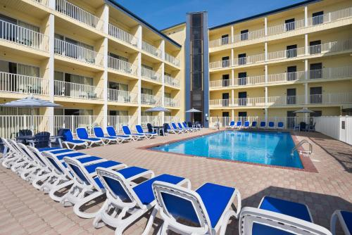 Howard Johnson Inn Ocean City Oceanfront Photo