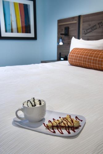 Margaritaville Island Hotel Photo