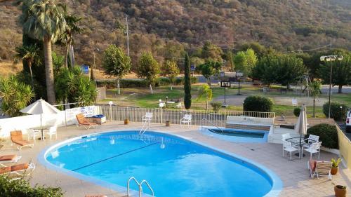 Western Holiday Lodge Photo