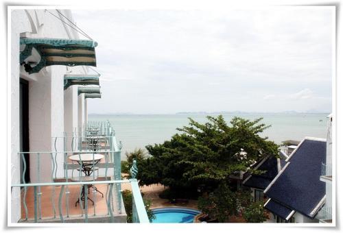 Naklua Beach Resort
