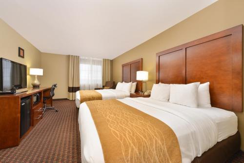 Comfort Inn & Suites Riverview - Le Claire, IA 52753-0605