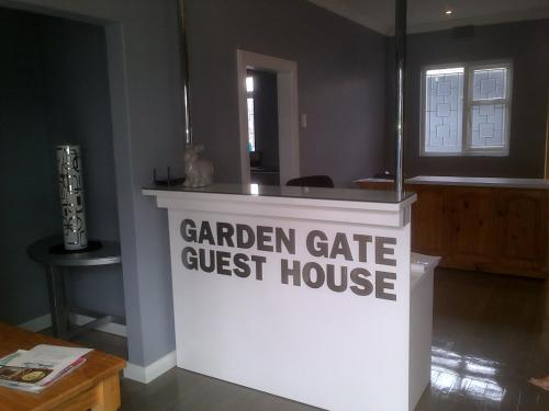 Garden Gate Guest House Photo