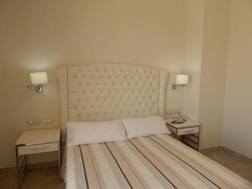 Superior Double or Twin Room with Terrace Hotel Atlántico 6