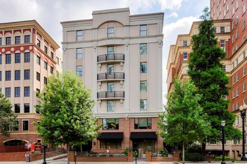 Residence Inn By Marriott Atlanta Midtown/peachtree At 17th - Atlanta, GA 30309