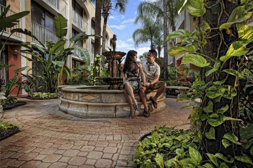 Westgate Towers Resort Photo