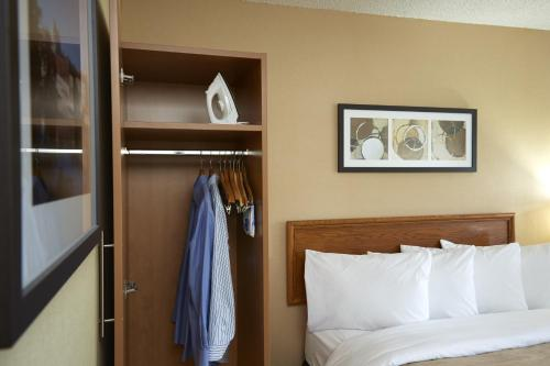 Comfort Inn Orillia Photo