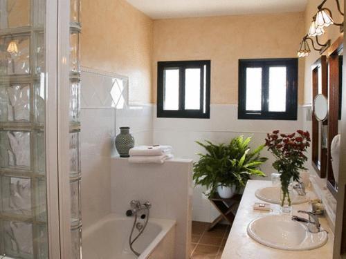 Doppel-/Zweibettzimmer mit Balkon und Meerblick Hotel Sindhura 24