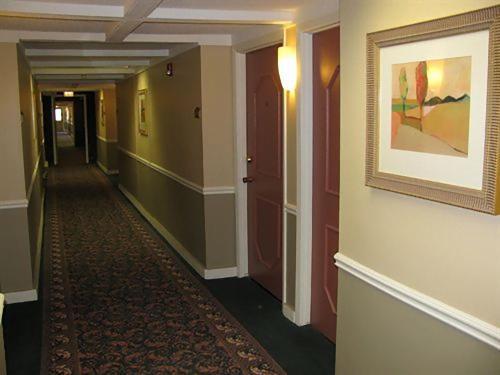 Americas Best Value Inn Webster City - Webster City, IA 50595