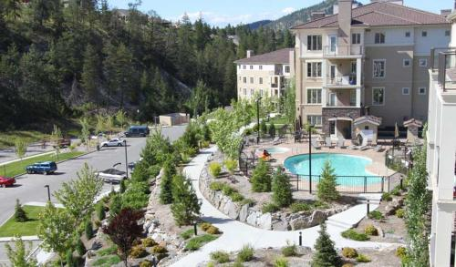 Pinnacle Pointe Resort By Kelownacondorentals - Kelowna, BC V1V 2W6