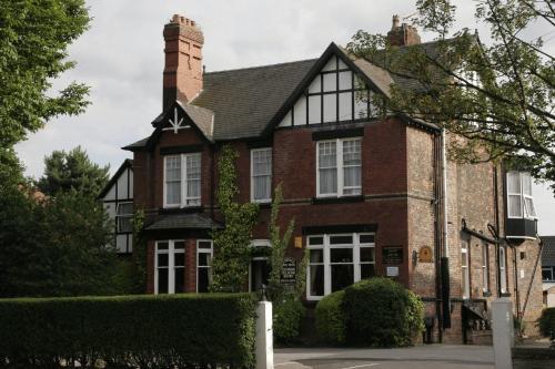 Hotels Near Urmston Manchester