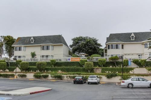 Motel 6 Monterey - Marina Photo