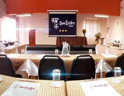 Hotel San Isidro Inn Photo