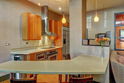 4th Avenue Apartment By Stay Alfred - Seattle, WA 98121