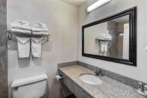 Quality Inn Santa Cruz Photo