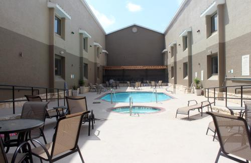 Country Inn & Suites by Radisson, Lackland AFB (San Antonio), TX Photo