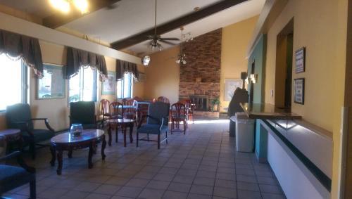 Americas Best Inn Caseyville