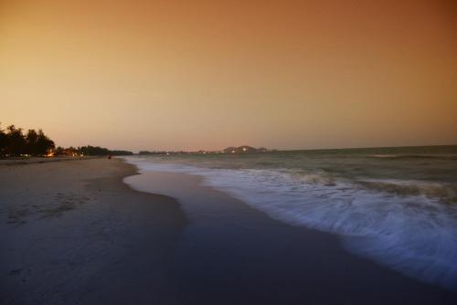 Holiday Villa Beach Resort Cherating photo 2