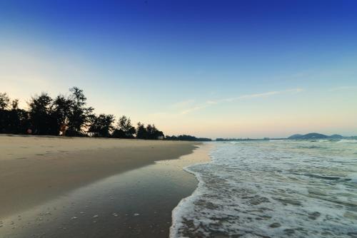 Holiday Villa Beach Resort Cherating photo 3