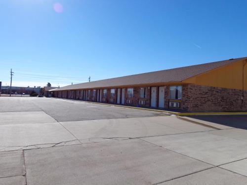 National 9 Inn - Garden City, KS 67846