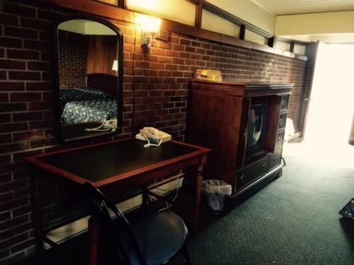 Lewis & Clark Motor Lodge Photo