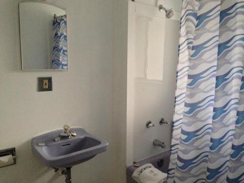 Jasper Way Inn - Clearwater, BC V0E 1N2