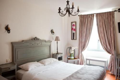 hotel abat jour h tel 17 rue geoffroy drouet 44000 nantes adresse horaire. Black Bedroom Furniture Sets. Home Design Ideas